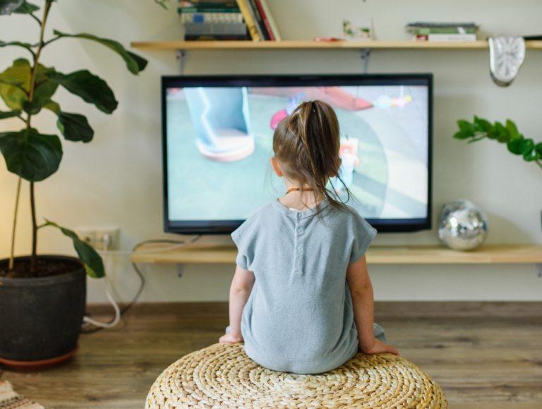 Come trovare le trasmissioni da vedere in TV con bambini e ragazzi